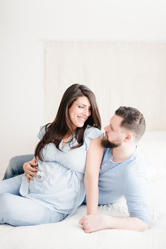 séance grossesse, séance maternité, femme enceinte, futurs parents, photographe Morges, photographe Gland, photographe Nyon, maternity session marchissy, formation, workshop